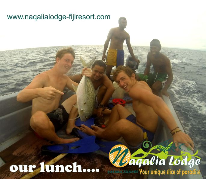 https://www.naqalialodge-fijiresort.com/wp-content/upOctopus resort-fiji-Naqalia Lodge-Yasawa islands-FIJI-trolling-and-sharkS feeding.jpg